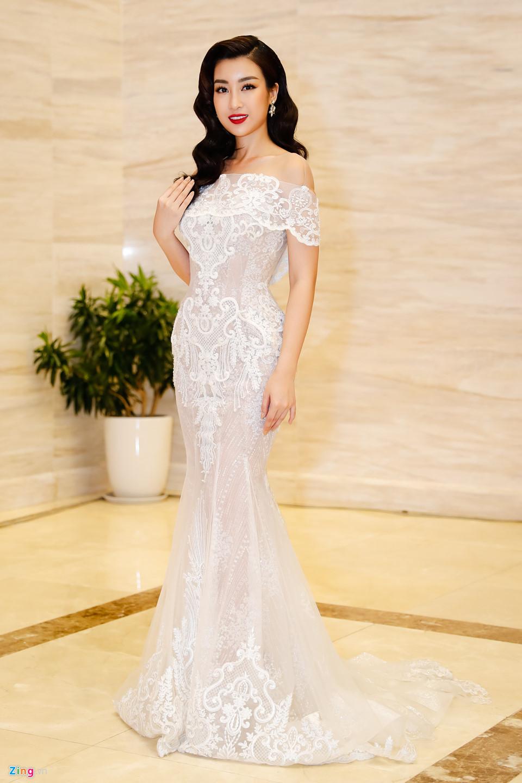 Đỗ Mỹ Linh được mẹ tháp tùng đi chấm thi Hoa hậu Việt Nam 2018 - Ảnh 5
