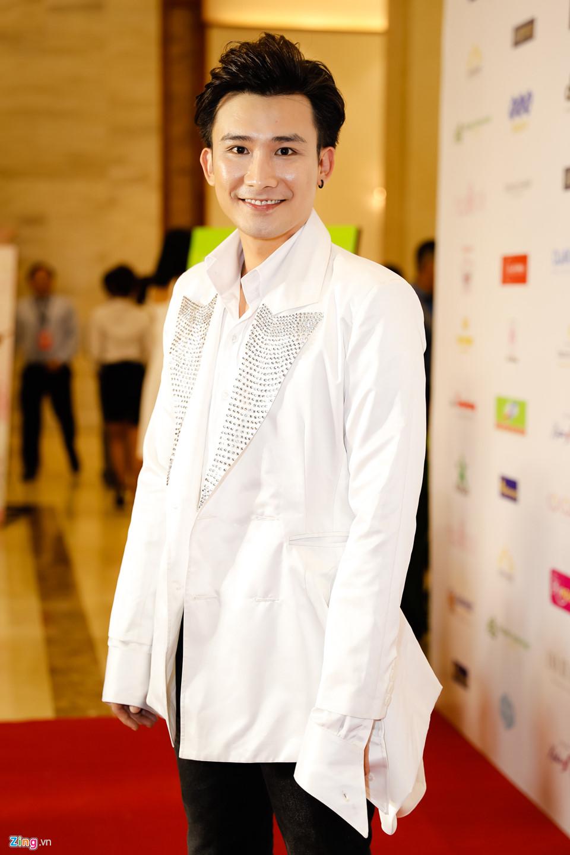 Đỗ Mỹ Linh được mẹ tháp tùng đi chấm thi Hoa hậu Việt Nam 2018 - Ảnh 8