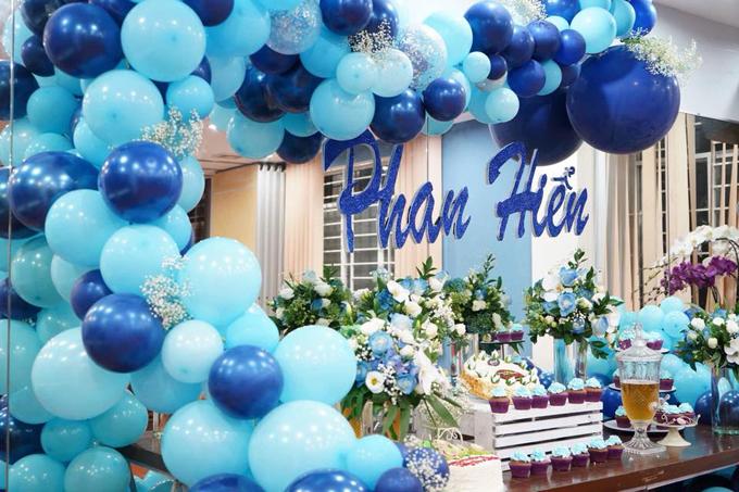 Khánh Thi bật khóc trong tiệc sinh nhật của Phan Hiển - Ảnh 11