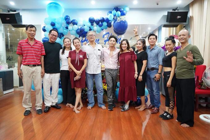 Khánh Thi bật khóc trong tiệc sinh nhật của Phan Hiển - Ảnh 10