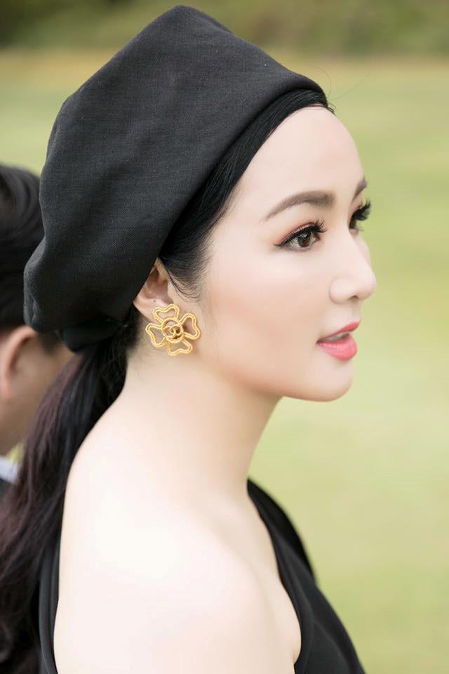 Mỹ nhân Việt tuổi U50, U60 gợi cảm và trẻ trung như ngoài 30 - Ảnh 5