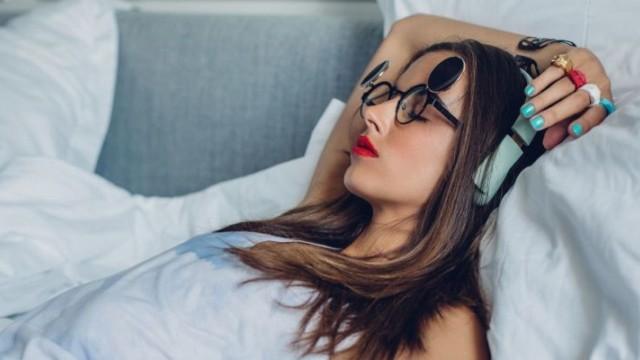 6 thói quen có hại trước khi ngủ mà cô gái nào cũng mắc phải ít nhất 1 cái - Ảnh 3