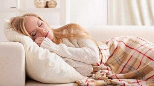 6 thói quen có hại trước khi ngủ mà cô gái nào cũng mắc phải ít nhất 1 cái - Ảnh 4