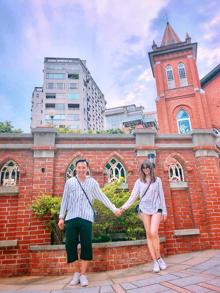 Trấn Thành ôm hôn, gửi lời chúc sinh nhật ngọt ngào đến bà xã Hari Won - Ảnh 2