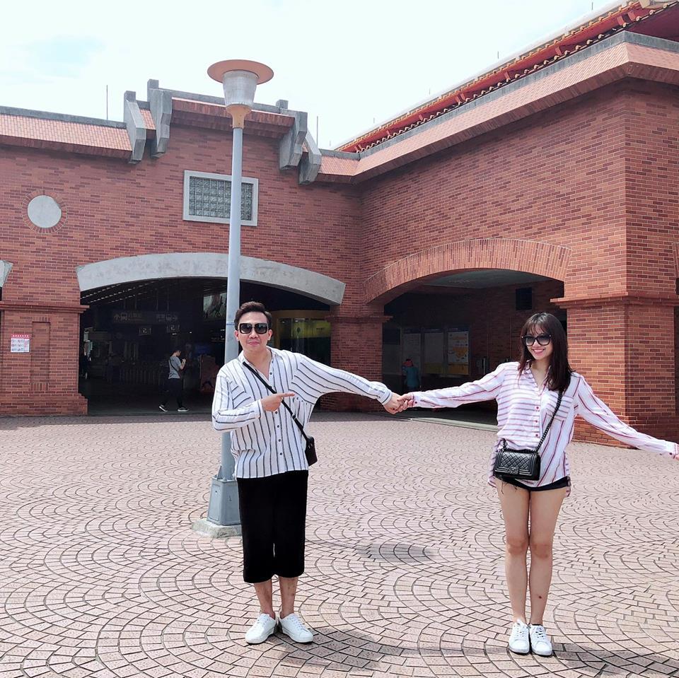 Trấn Thành ôm hôn, gửi lời chúc sinh nhật ngọt ngào đến bà xã Hari Won - Ảnh 3