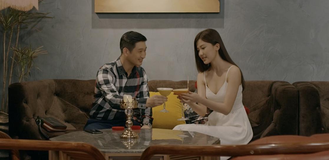 'Soi' phong cách thời trang của vợ Thái và 'tiểu tam' trong 'Hoa hồng trên ngực trái' ai quyến rũ hơn? - Ảnh 13