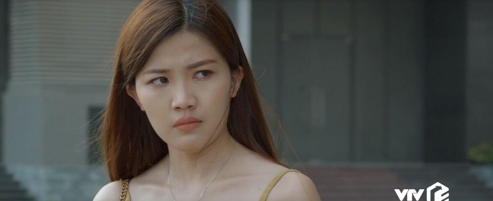 'Soi' phong cách thời trang của vợ Thái và 'tiểu tam' trong 'Hoa hồng trên ngực trái' ai quyến rũ hơn? - Ảnh 10