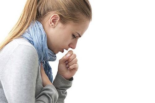 Khó thở, đau tức ngực đi khám phát hiện ung thư giai đoạn cuối - Ảnh 1