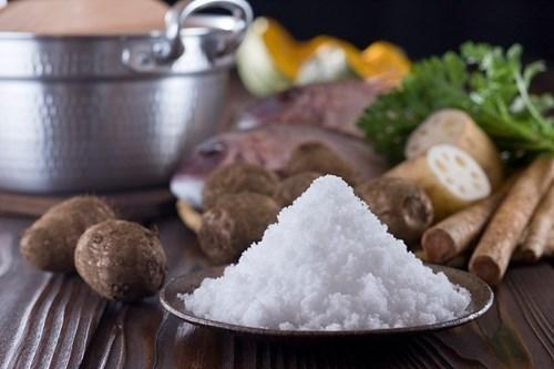Ăn mặn: Thói quen khiến người Việt dễ rước bệnh vào thân - Ảnh 1