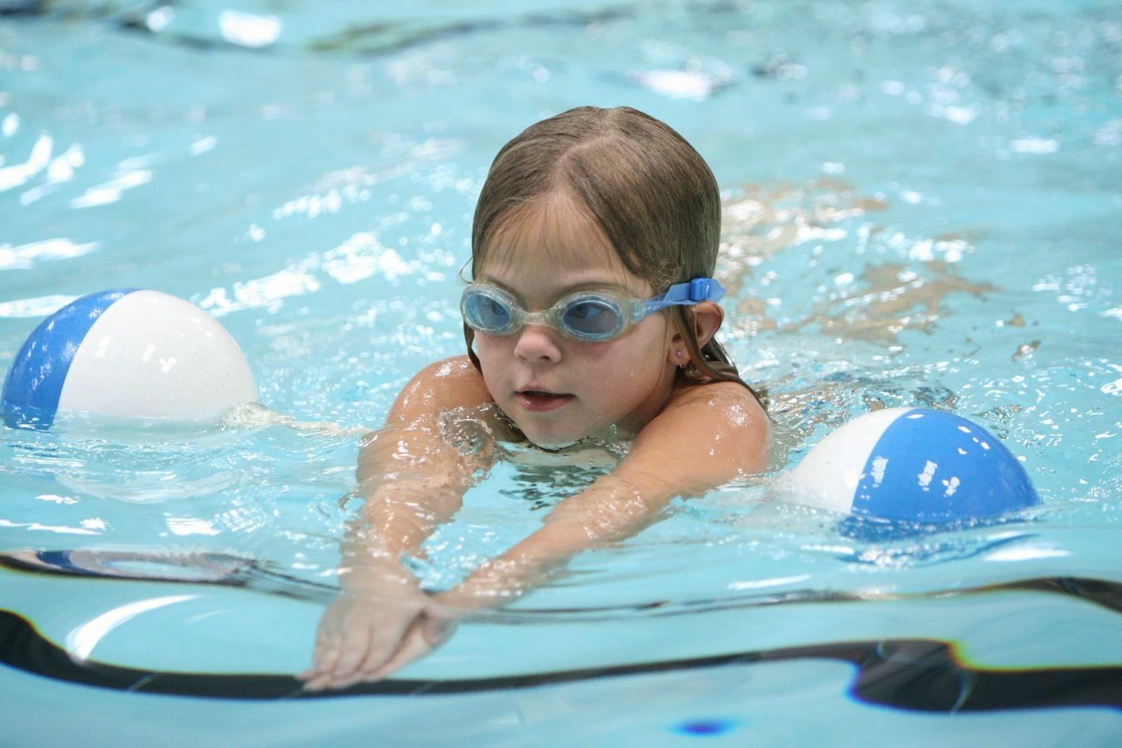 Gặp trẻ đuối nước không chờ đợi ai mà hãy thực hiện ngay các bước này  - Ảnh 1