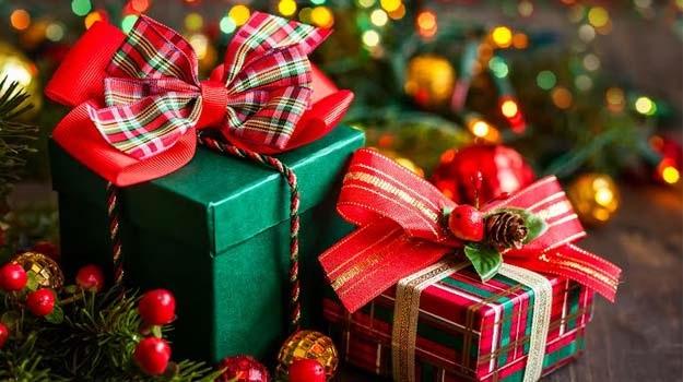 Hộp quà  Giáng sinh.