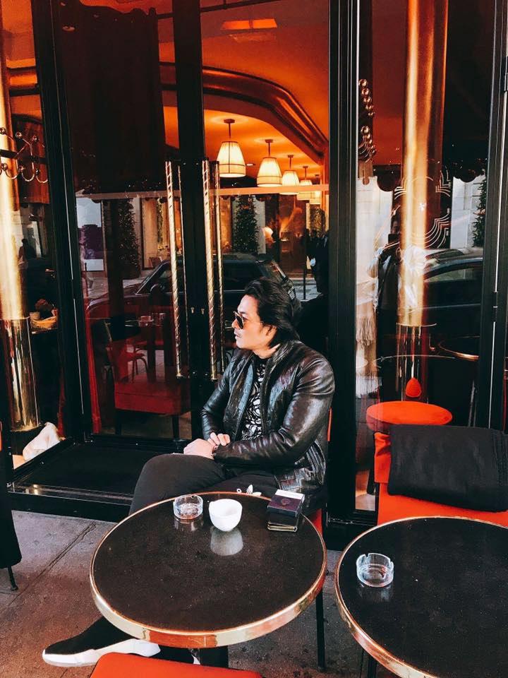 Diện mốt quần lạ dạo phố Paris, Phượng Chanel khiến Quách Ngọc Ngoan không dám rời mắt - Ảnh 3
