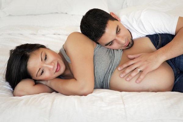 Quan hệ khi mang thai tháng thứ 4 có an toàn không? - Ảnh 1
