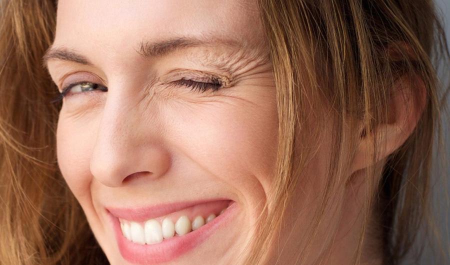 8 thói quen sai lầm mà 100% chị em đều mắc phải khiến da sớm nhăn nheo, già đi cả chục tuổi - Ảnh 3