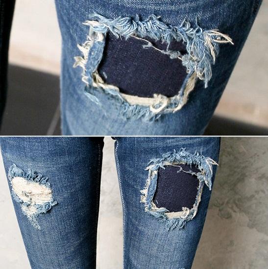 Dùng miếng vải để vá vào vị trí quần jean bị rách