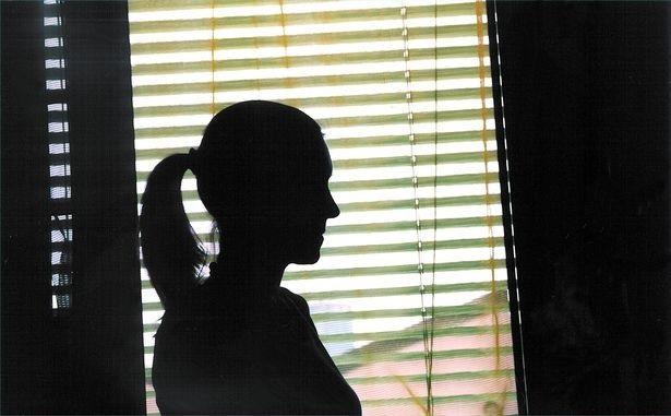 Nỗi ám ảnh kinh hoàng của hai cô gái bị cha ruột hiếp dâm trong nhiều năm liền - Ảnh 3