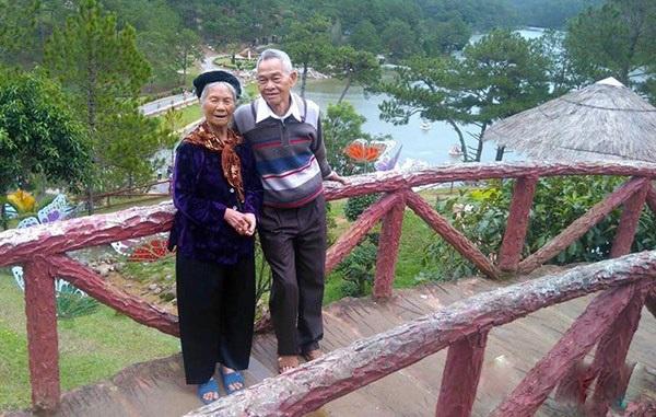 Những chuyện tình 'ông bà anh' vượt thời gian khiến người trẻ phải suy nghĩ lại định nghĩa tình yêu và hạnh phúc - Ảnh 9