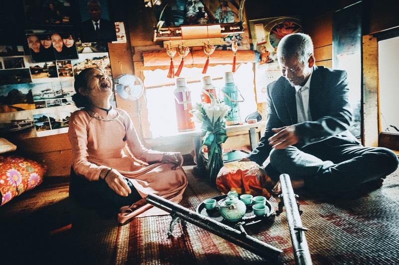 Những chuyện tình 'ông bà anh' vượt thời gian khiến người trẻ phải suy nghĩ lại định nghĩa tình yêu và hạnh phúc - Ảnh 3