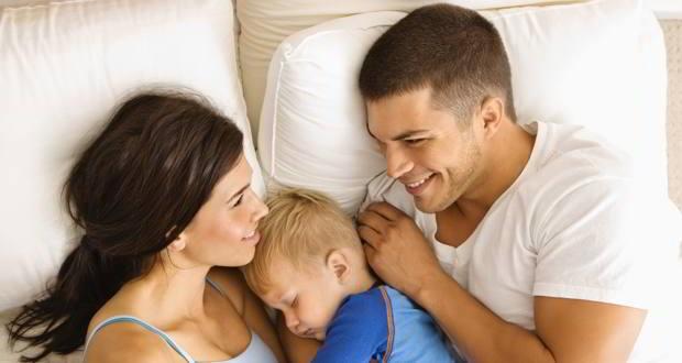 Bí quyết duy trì sự lãng mạn cho những cặp vợ chồng sau khi có em bé - Ảnh 1