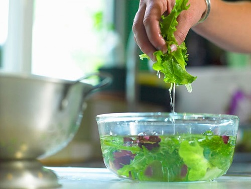 Cho thứ này vào nước khi rửa rau quả, đánh bay mọi loại hóa chất độc hại và thuốc trừ sâu - Ảnh 8