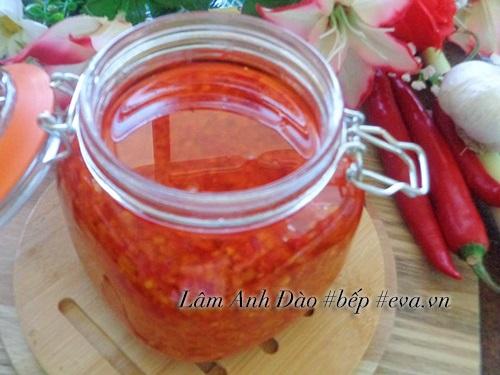Tự làm dầu sả ớt để dành chế biến món ăn - Ảnh 6
