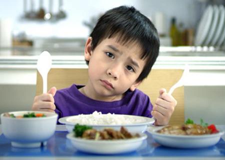 Làm gì khi trẻ thường xuyên chỉ thích ăn một vài món? - Ảnh 1