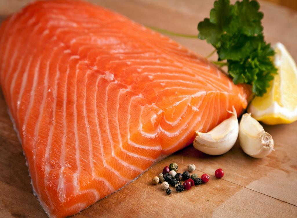 axit amin trong thịt cá còn hỗ trợ khả năng vận động, tăng sức khỏe tinh trùng