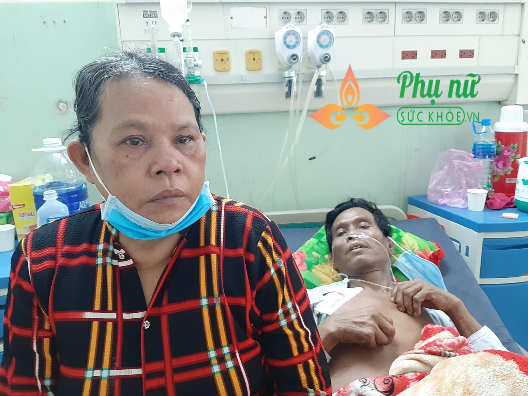 Thương cảnh người đàn ông dân tộc Khơ-me lâm bệnh nặng, vợ khóc ròng xin đưa chồng về vì không có tiền chữa trị - Ảnh 5