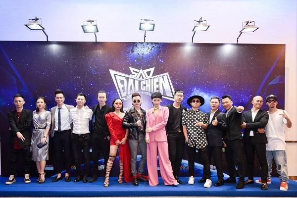 Đạo diễn Việt Tú bất ngờ tiết lộ: Nhiều nghệ sĩ miền Nam 'giành hết chén cơm' của các đồng nghiệp phía Bắc - Ảnh 1