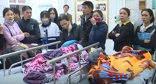 Cảnh tượng xuống cấp của trường tiểu học sập lan can làm 16 học sinh nhập viện khiến phụ huynh 'sống trong sợ hãi' - Ảnh 8