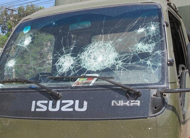 50 công nhân Đồng Nai đập xe Cảnh sát giao thông - Ảnh 1