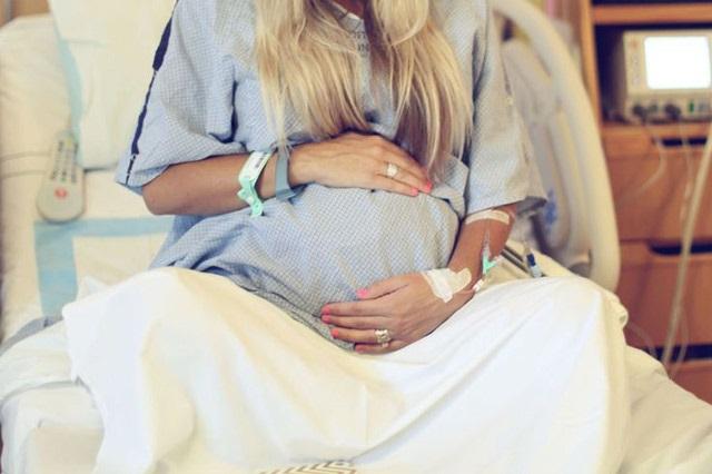 Tôi sợ sinh non khi làm 'chuyện ấy' trong những tháng cuối thai kỳ - Ảnh 1