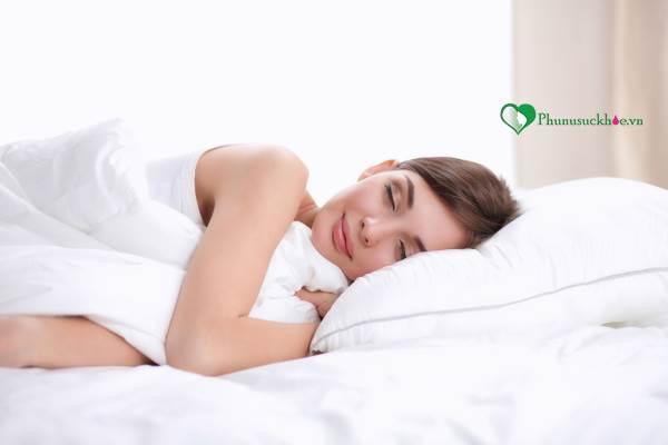 Bí quyết giúp chị em có được giấc ngủ thoải mái trong ngày đèn đỏ - Ảnh 4