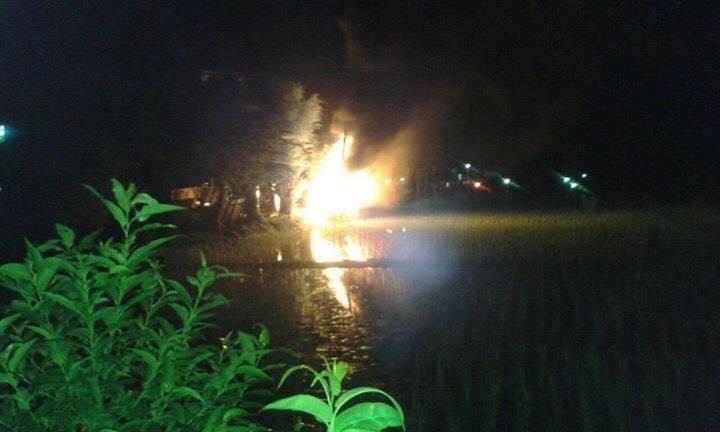 Sự thật không ai ngờ tới của vụ đốt xe ô tô vì nghi bắt cóc trẻ em - Ảnh 2