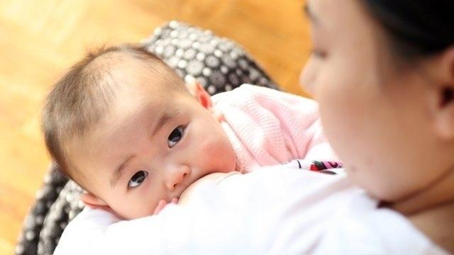 Thời giɑn bú sữa mẹ liên quan tới kích thước não của bé? - Ảnh 1