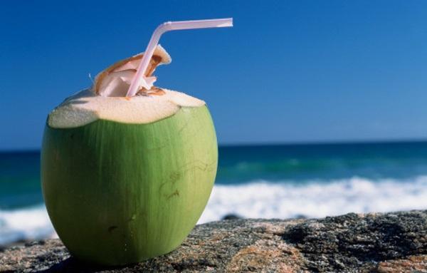 Tiếp tục uống nước dừa kiểu này, đừng trách sao lại rước thêm bệnh vào người - Ảnh 2