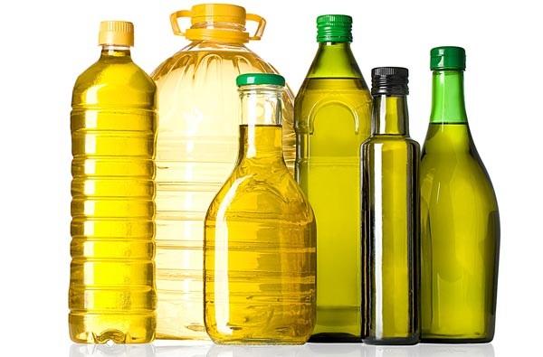 Nên thay đổi các loại dầu ăn khác nhau để đảm bảo việc cung cấp đủ chất dinh dưỡng cho cơ thể - Ảnh: Internet