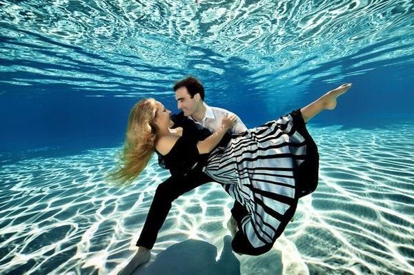 'Yêu' dưới nước, những nguy cơ không thể không biết - Ảnh 1