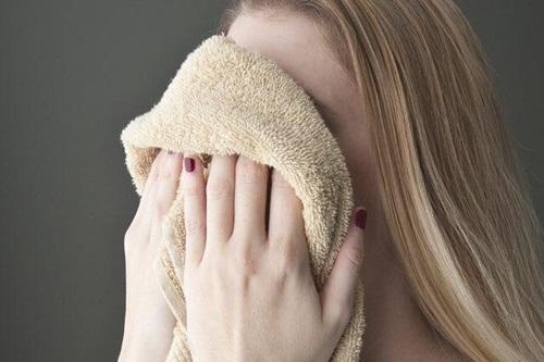 Muốn sạch mụn phải tránh xa 4 thứ tai hại này