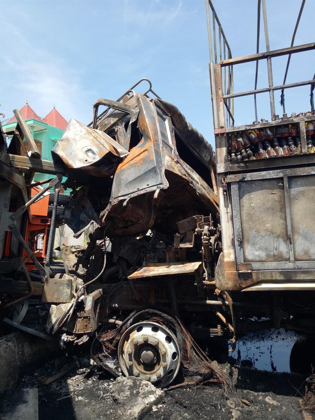 Chồng giết vợ rồi tông vào đầu xe container tự tử tại Khánh Hòa