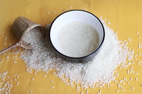 Sử dụng nước vo gạo cho hiệu quả tắm trắng như ý