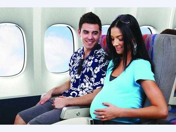 Đủ điều kiện sức khỏe phụ nữ mới nên đi máy bay
