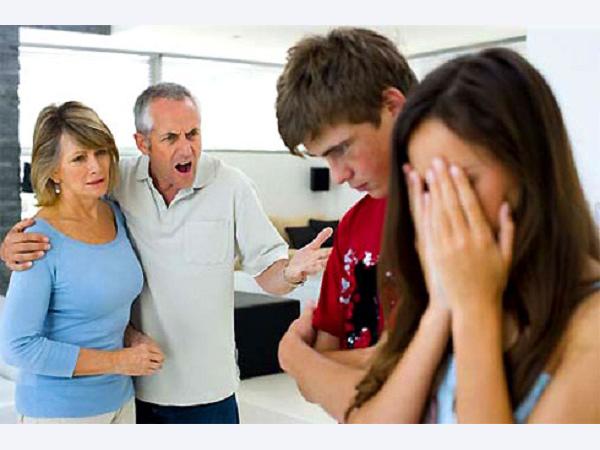 Bố mẹ chồng không cho về ngoại ăn Tết