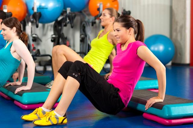 Các bài tập vận động aerobic được khuyến khích cho các mẹ tập thể dục giảm cân sau khi sinh mổ