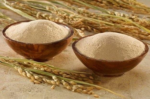 tẩy tế bào chết bằng cám gạo