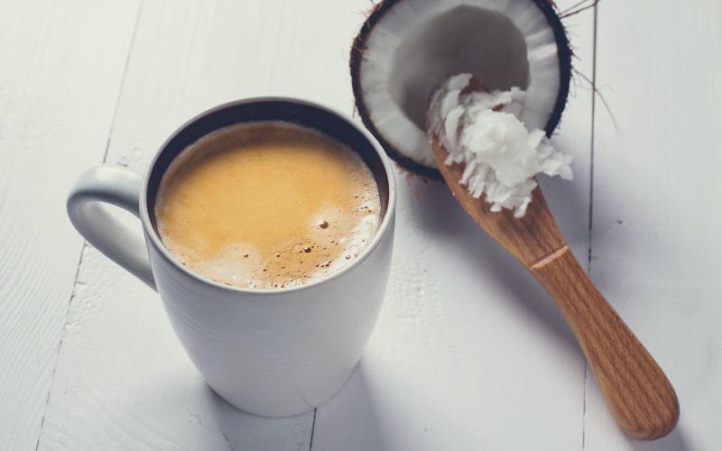 Tẩy da chết bằng bã cà phê và dầu dừa