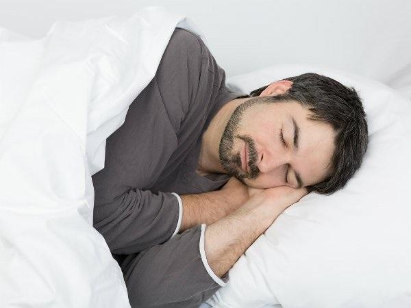 4 thói quen ngủ bạn cần áp dụng ngay trong năm 2018  - Ảnh 2