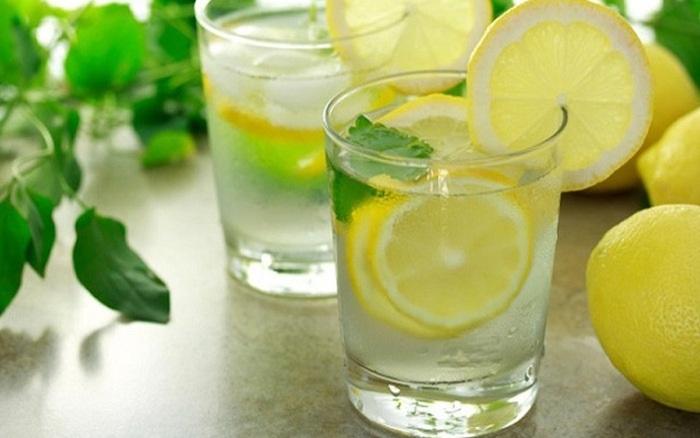 Thải sạch độc tố, da căng mịn nhờ thường xuyên cho thứ này vào nước uống hàng ngày - Ảnh 1