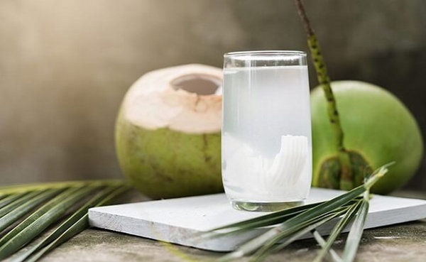 3 tháng cuối thai kỳ, bà bầu có nên uống nước dừa không? - Ảnh 2