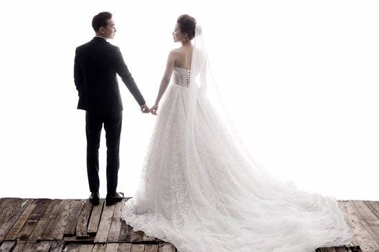 Vợ 9X MC Thành Trung thề nguyện ước trọn đời bên chồng tại chùa - Ảnh 5
